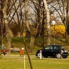 Ruch samochodowy w parku Na Kępie